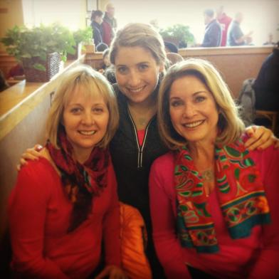 At breakfast this morning with my Mom and Aunt, sporting my new Lulu pullover.